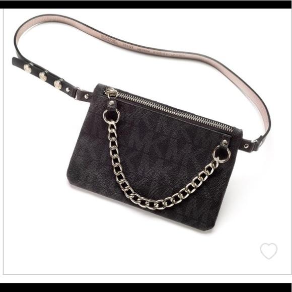 Michael Kors Waist Bag Belt Bag. M 5a94fc93daa8f6f10e7da583 6657c26a4877a